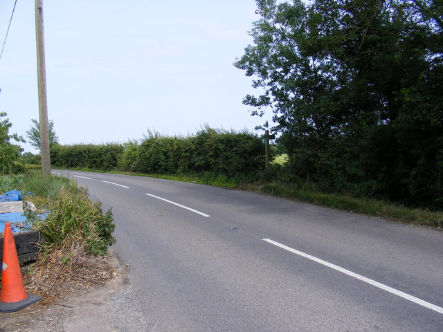 A1120 Several Road & the footpath to Hill & Wood Farms & Peppers Wash