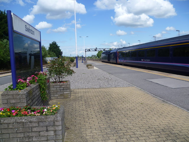 Train for Paddington leaves Swindon