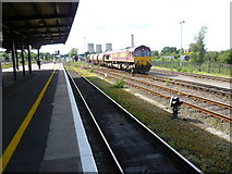 SU5290 : Freight train at Didcot by Marathon