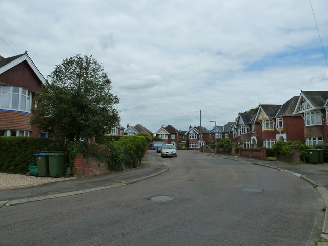 A May afternoon in Longmore Avenue