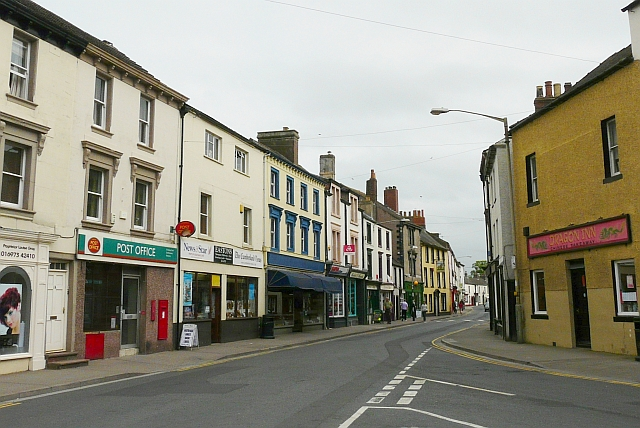 View of High Street from the Memorial Fountain