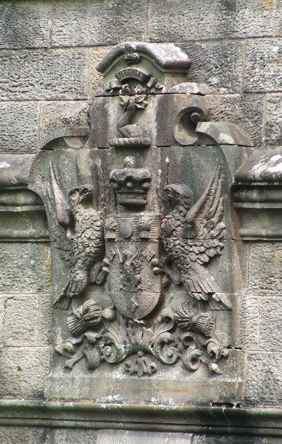 Armorial achievement on side of Overtoun Bridge
