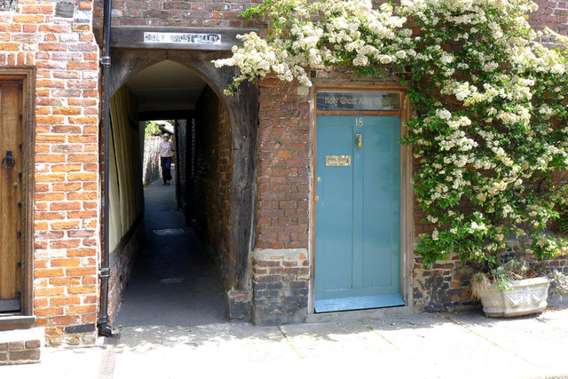 Holy Ghost Alley, Sandwich
