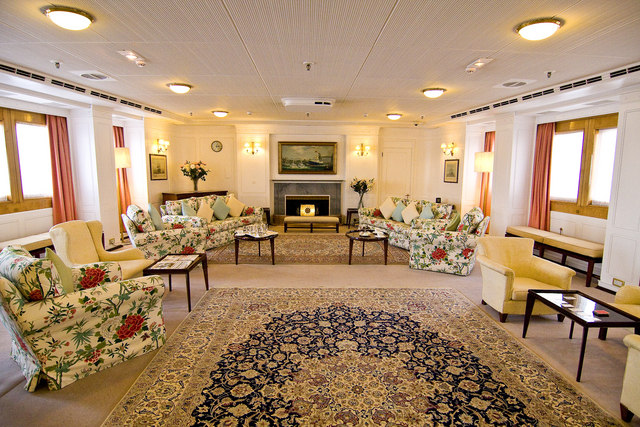 Royal Yacht Britannia, state drawing room
