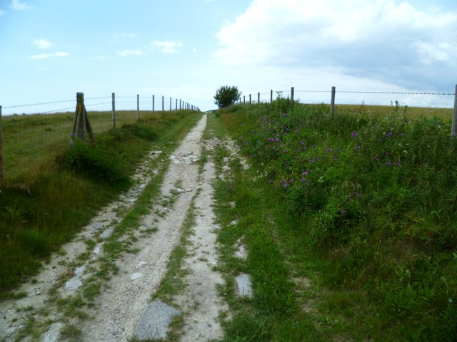 Restricted byway reaching the top of Windmill Hill