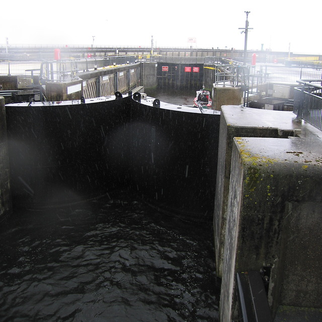 Lock no.2 in Cardiff bay barrage