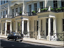 TQ2779 : Fiat 500 on Ennismore Gardens by Oast House Archive