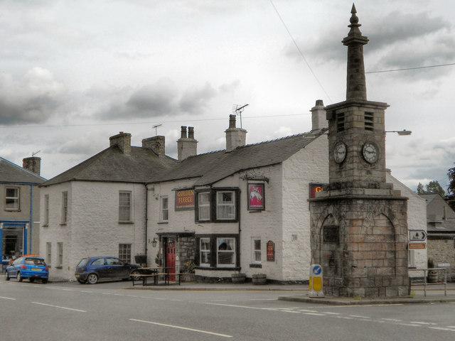 Coronation Clock and Golden Fleece, Market Brough