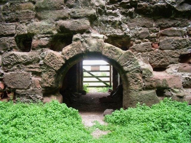 Inside Cessford Castle (4)