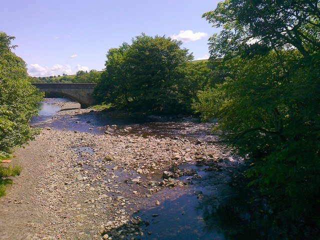 Confluence of Hudeshope Beck and River Tees