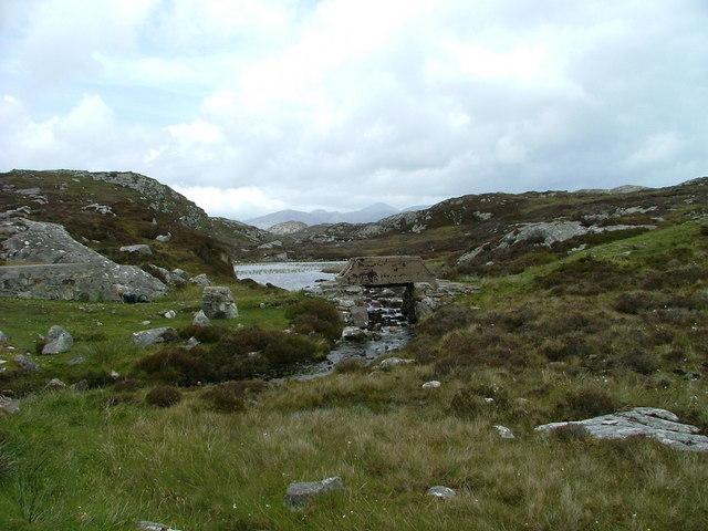 Footbridge at the start of the Loch Phlocrpoil walk