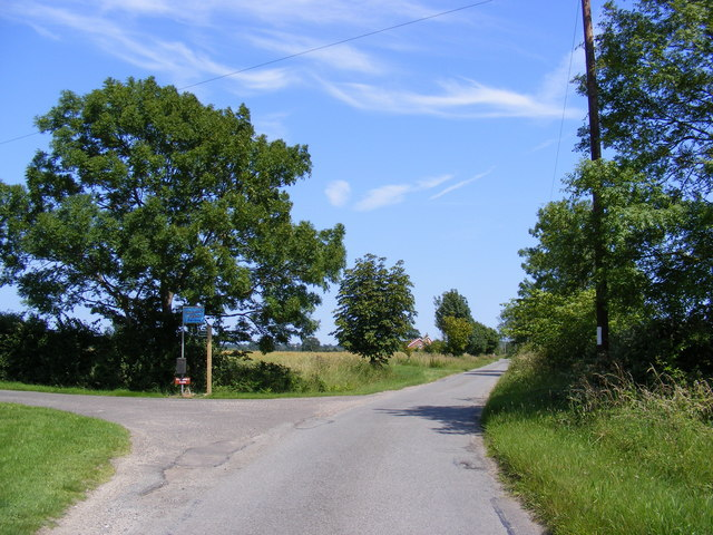 Moor Road & the footpath to Watermill Farm & The Causeway