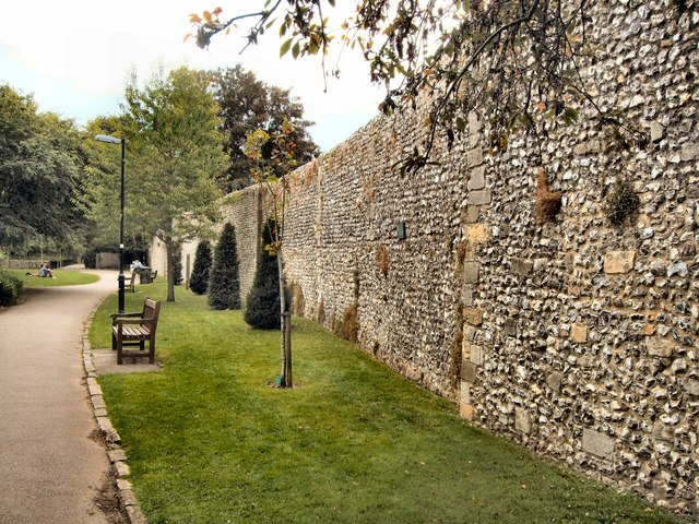 City Wall Winchester 169 Paul Gillett Geograph Britain