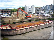 TQ2575 : Ready mixed concrete plant beside the Thames at Wandsworth by Rod Allday