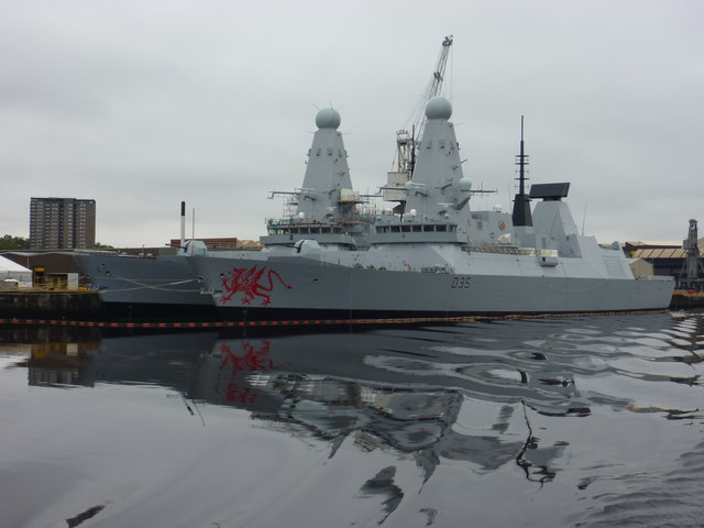 Doon The Watter - 25th June 2011 : Dragon and Defender at BAE Systems, Scotstoun