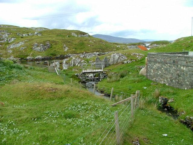 A wee footbridge at Plocrapol