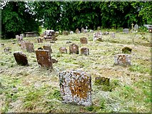 SP3453 : Chadshunt Churchyard by Nigel Mykura