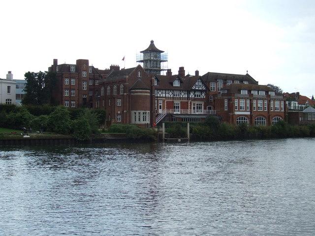 School on the river, Twickenham