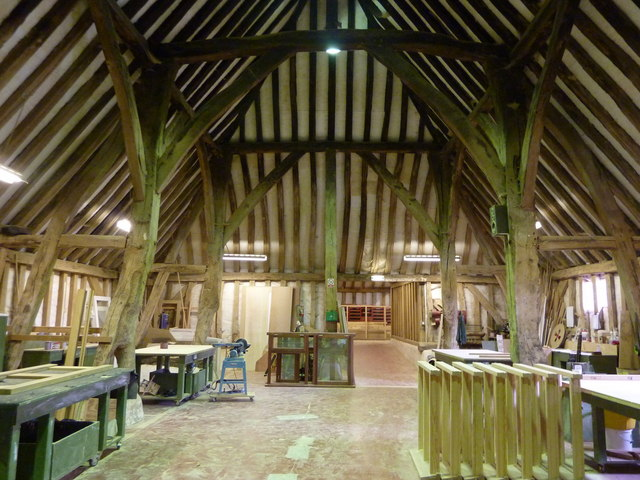 Inside The Minor Barn  Abbey Farm Barns     U00a9 Pam Fray
