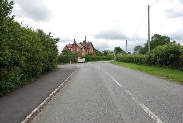 Lea lane to junction at Lea Heath