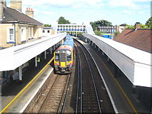 TQ0471 : Platforms at Staines railway station by Rod Allday