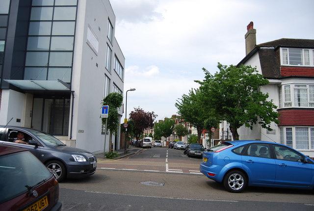 Strathmore Rd
