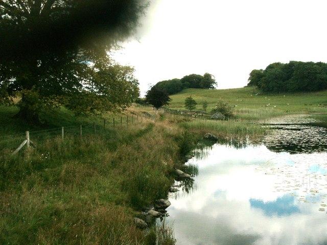 The path alongside Bigland Tarn