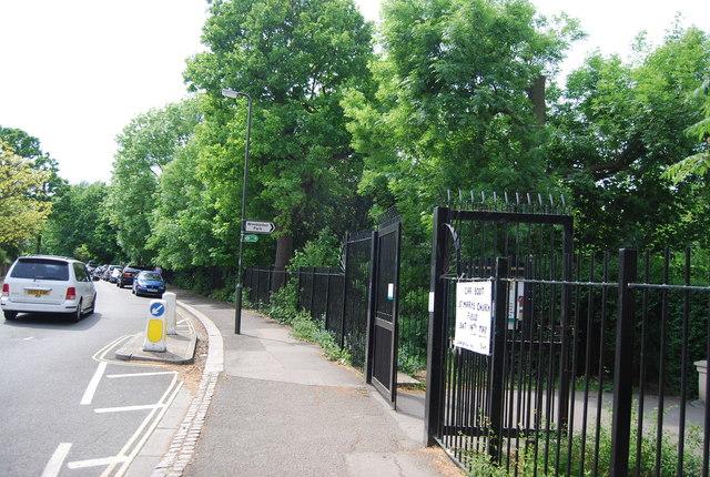 Entrance to Wimbledon Park, Home Park Rd