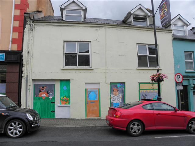 Building with illustrated panels, Letterkenny