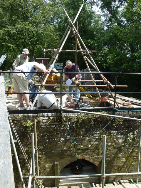 Refitting the waterwheel at Lording's Lock