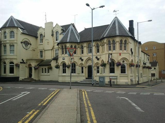 The Great Western, pub opposite Swindon station