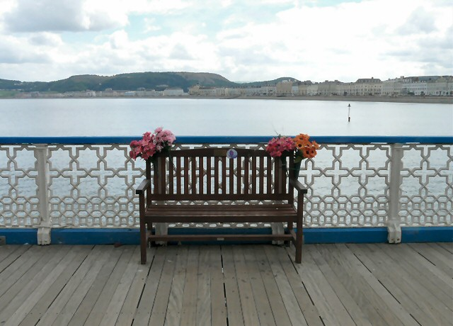 Memorial bench on Llandudno pier © Gerald England