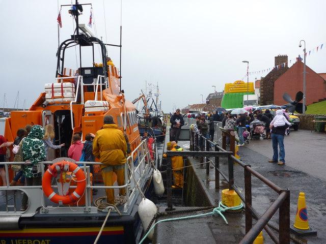 Dunbar Lifeboat Day 2011 : Looking Around The Dunbar Lifeboat