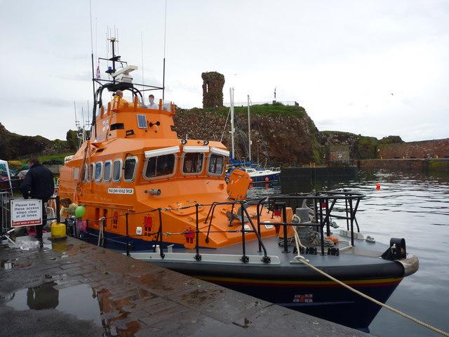 Dunbar Lifeboat Day 2011 : The Dunbar Lifeboat at Victoria Harbour, Dunbar