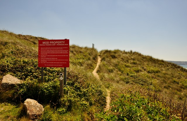 Carrick : Coast Path & Warning Sign