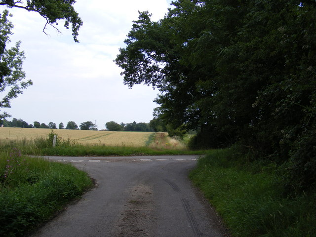 Wood Lane at the junction with Pound Lane