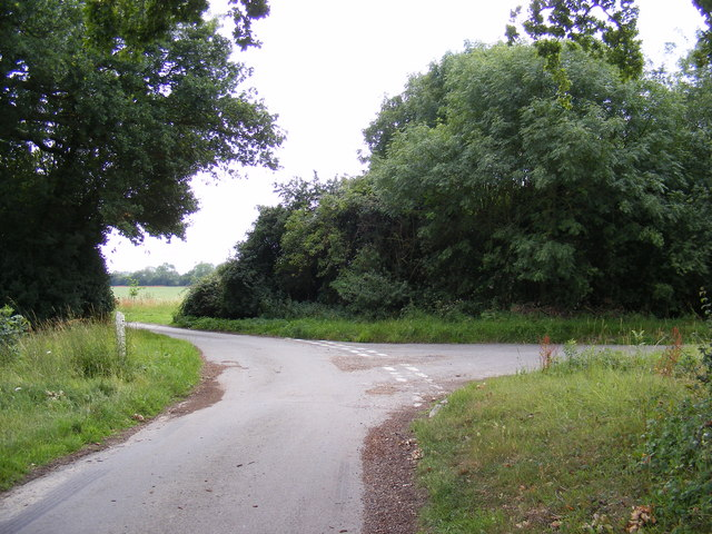 Pound Lane at the junction with Wood Lane