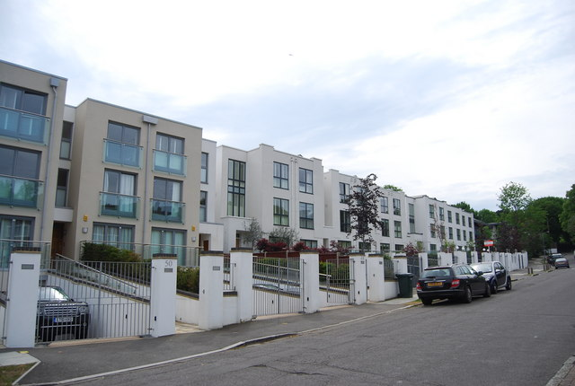 Apartments, Queensmere Rd