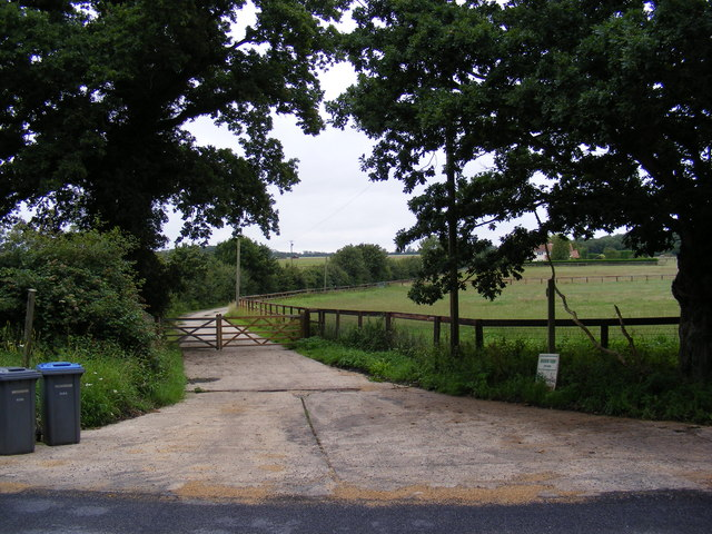 Workhouse Lane Bridleway to Knodishall Level Crossing & entrance to Meadow Farm