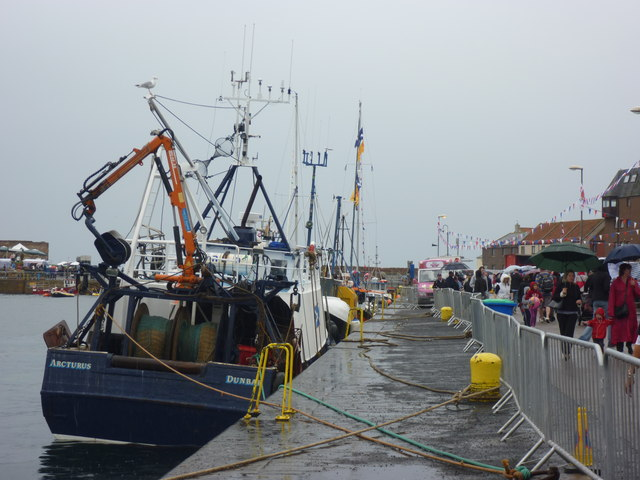 Dunbar Lifeboat Day 2011 : Safety First at Victoria Harbour
