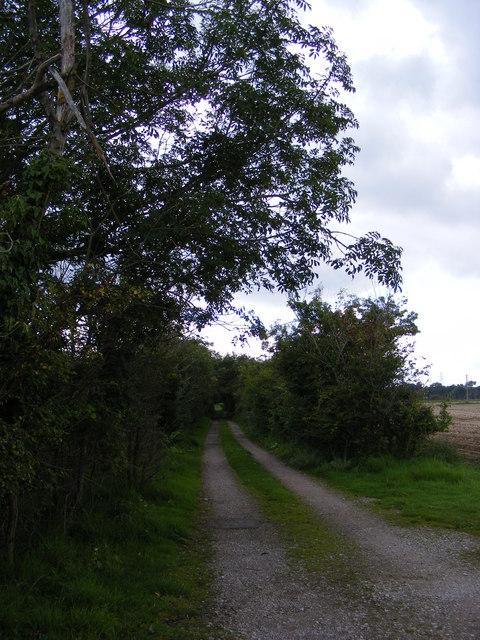 Footpath to Gromford Lane & entrance to Chagford
