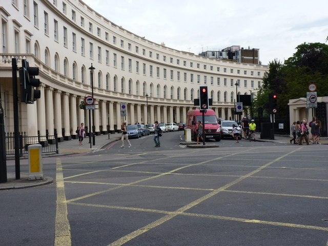 The eastern 'arm' of Park Crescent