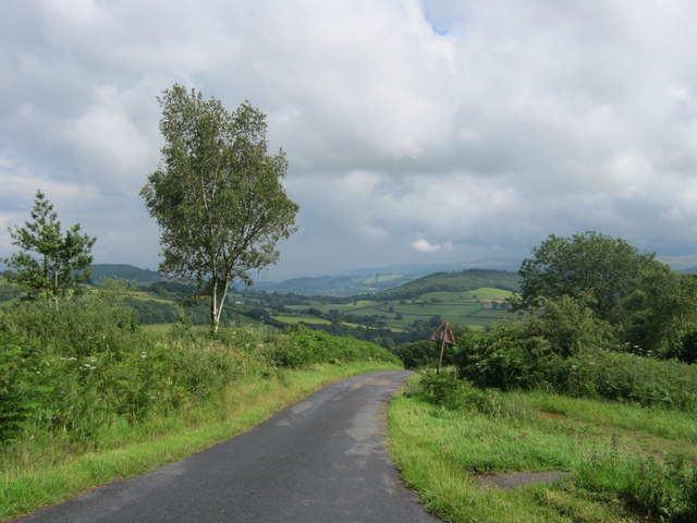 Road down from the southern end of Aberysgir Common