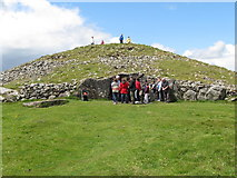 N5877 : Neolithic tomb on Slieve na Calliagh by Eric Jones