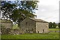SD9458 : Owslin Laithe by Tom Richardson