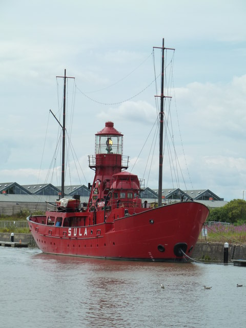 Lightship on the Gloucester & Sharpness Canal