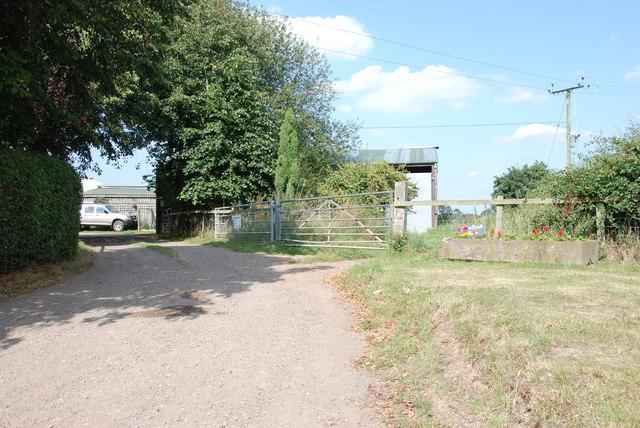 Entrance to Eaton Brook Farm, Woollaston Lane