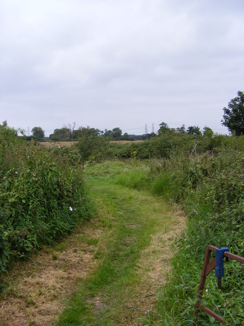 Sandlings Walk footpath to Sloe & Back Lanes