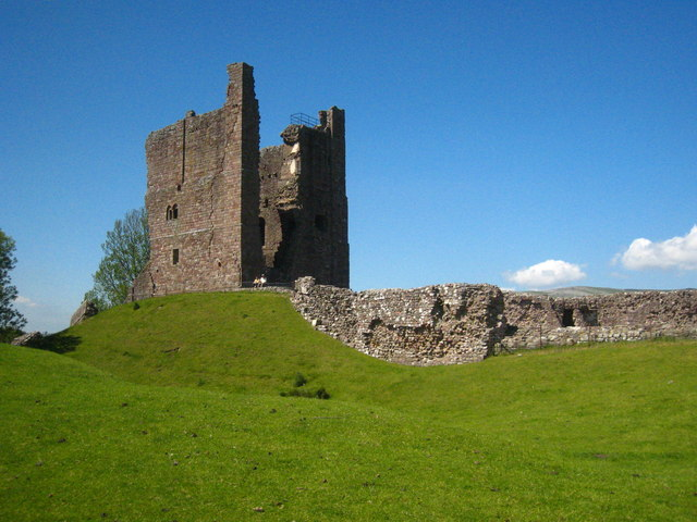 The ruined keep at Brough Castle