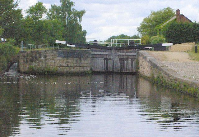 Figure of Three Upper Lock 11 from below